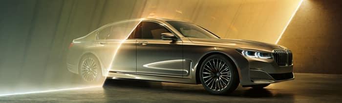 2022 BMW 740i