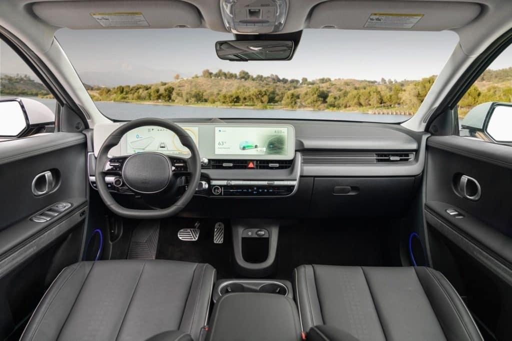 2022 Hyundai IONIQ5 dashboard