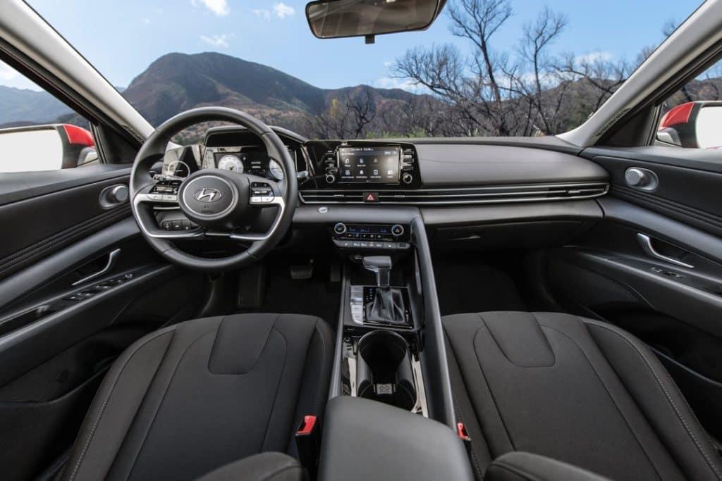 2021 Hyundai Elantra interior dashboard black