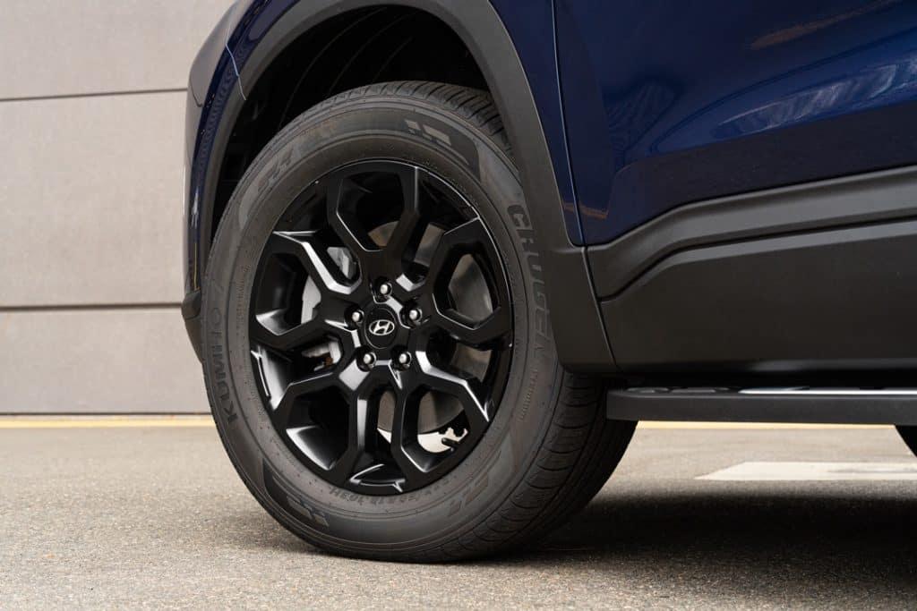 2022 Hyundai Santa Fe XRT wheels black