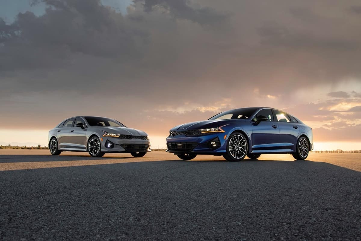 2022 Kia K5 duo silver blue
