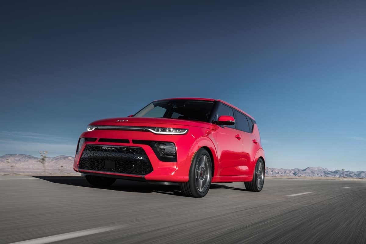 2022 Kia Soul 3/4 front red