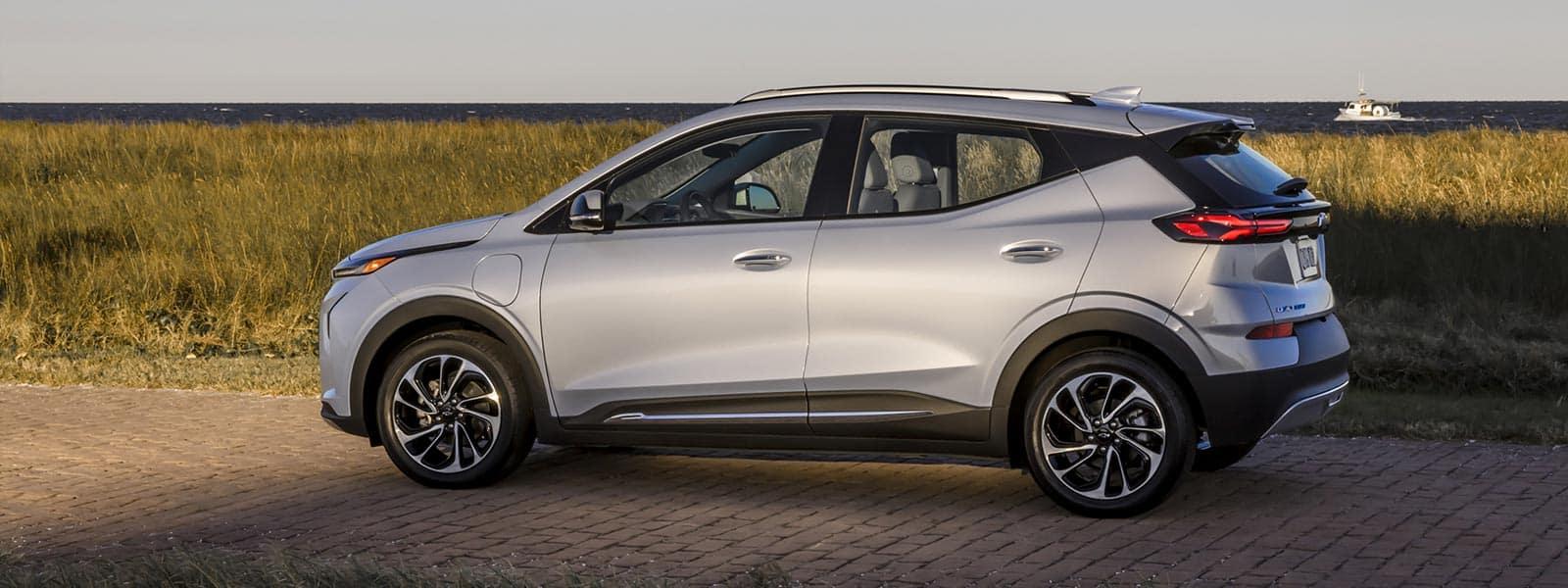Lease or finance new 2022 Chevrolet Bolt EUV in Regina Saskatchewan