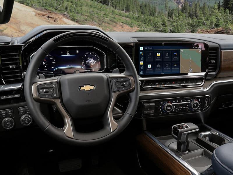 2022 Chevrolet Silverado 1500 interior comfort and technology