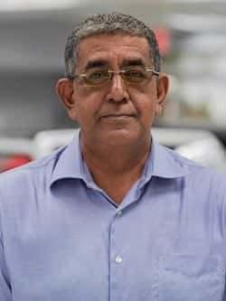 Y Persaud